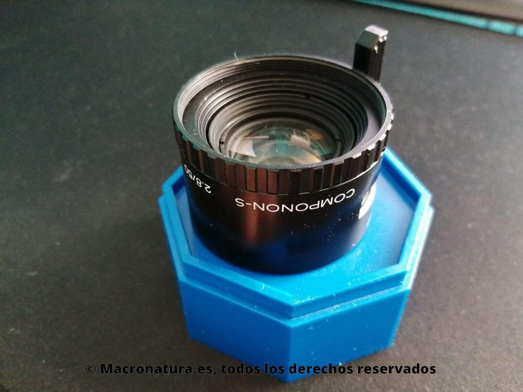 Un objetivo de ampliadora utilizado para fotografía macro. Componon-S 50 2.8